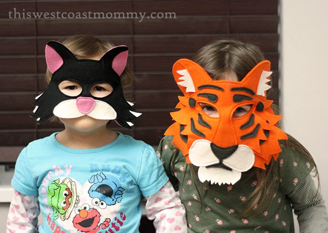 Mouse & Moose play masks - cat and tiger