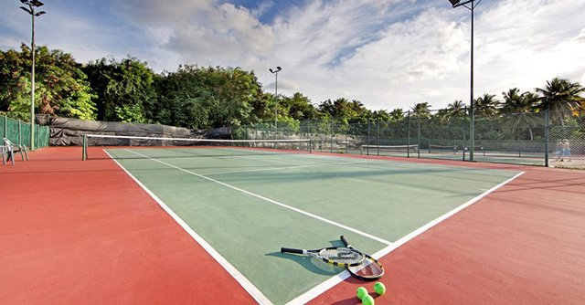 The Grand Palladium sports centre features archery lessons every morning, 6 tennis courts, 6 petanque courts, 4 paddle courts, basketball court, soccer field, and mini golf.