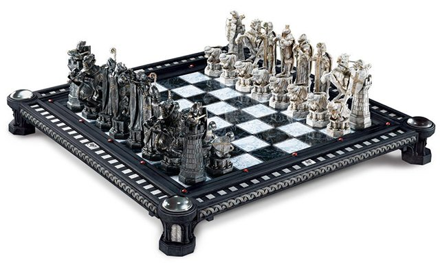 Harry Potter Final Challenge chess set game