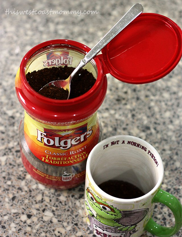 Instant coffee is easy to make. Just add hot water and stir!